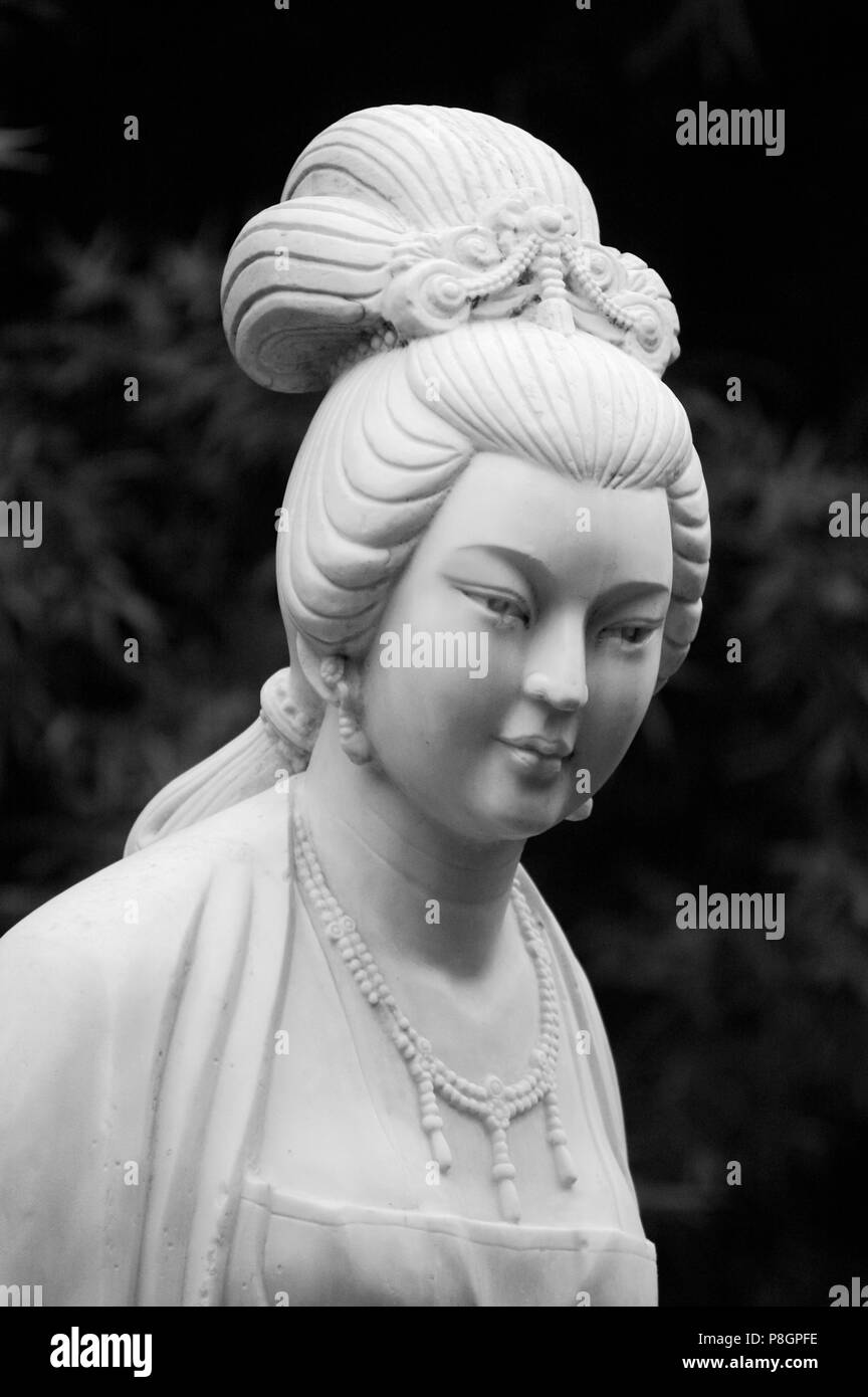 Marble statue of the Tang dynasty poet Xue Tao in the River Viewing Pavilion Park - Sichuan Province, Chengdu, China - Stock Image