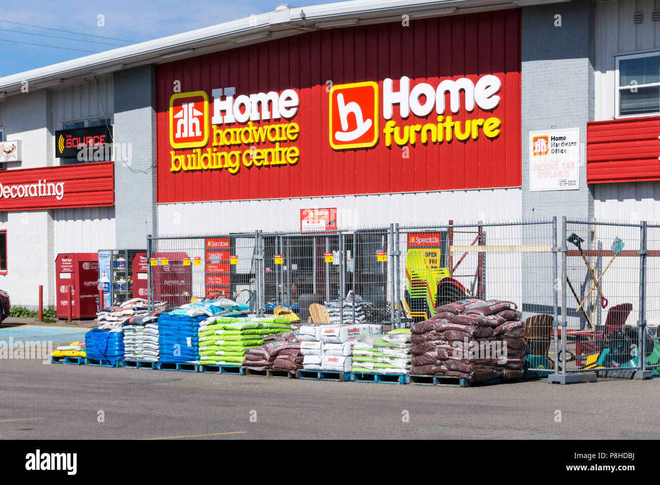 A Home Hardware Building Centre branch - Stock Image