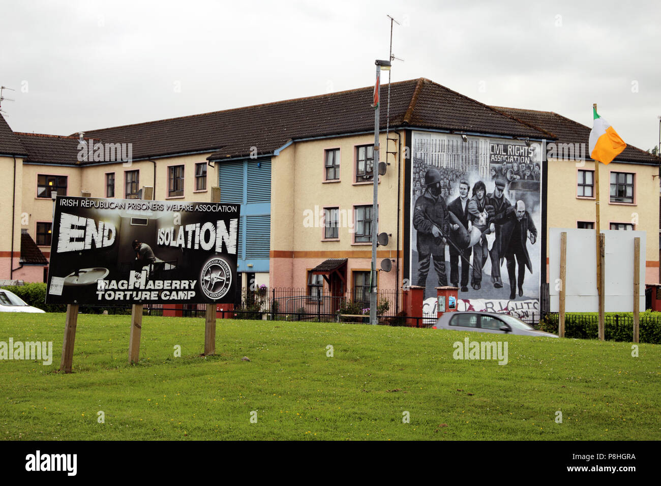 Glennfada Park, site of the Bloody Sunday massacre of January 30, 1972 and murals painted in memorial to that day when British troops killed - Stock Image