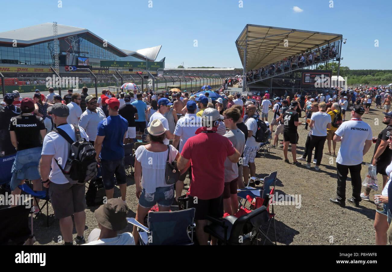 General Admission spectators, at the British Grand Prix, Silverstone Circuit, Towcester, Northamptonshire, England, UK Stock Photo