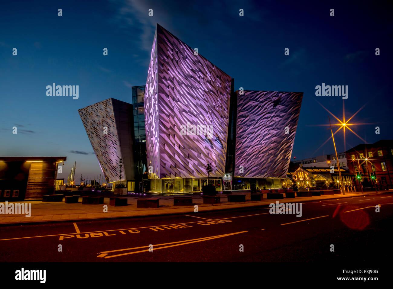 Titanic Museum, blue hour, architect Eric Kuhne, Titanic Quarter, Belfast, Northern Ireland, Great Britain - Stock Image
