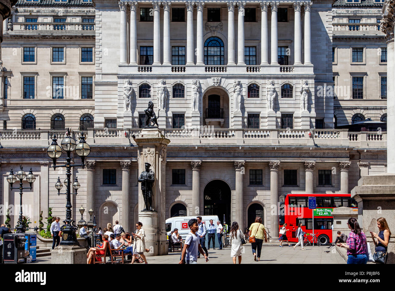 The Bank Of England, Threadneedle Street, The City of London, London, England - Stock Image