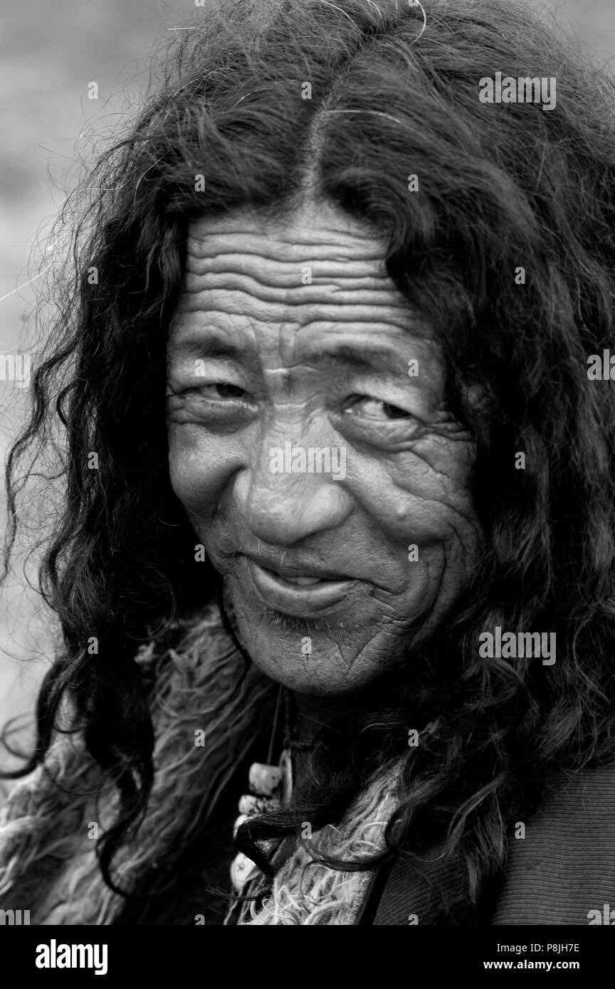 Old Khampa cowboy at the Litang Horse Festival in Kham - Sichuan Province, China, (Eastern, Tibet) - Stock Image