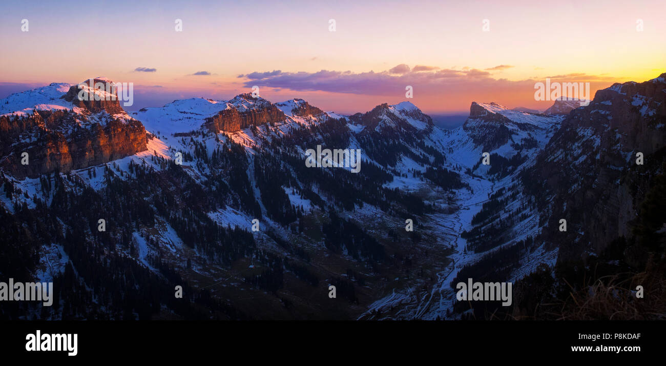 Cold morning peaks - Stock Image