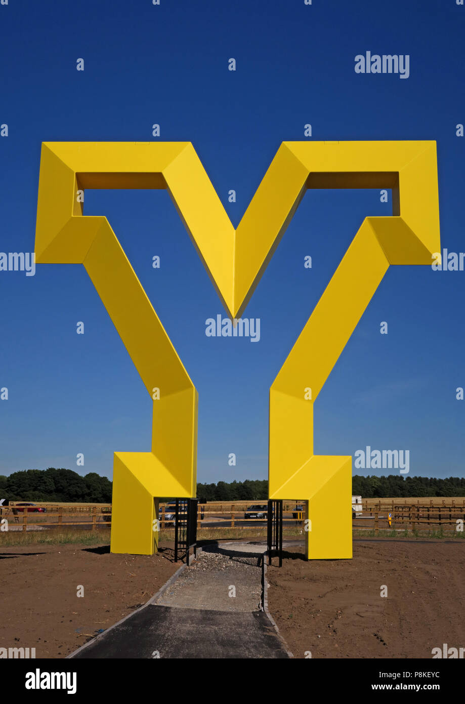 Big Yellow Y artwork, Welcome to the Yorkshire  Gateway, Bawtry Road, Rossington , South Yorkshire, England, UK, DN11 0GT (Portrait) - Stock Image