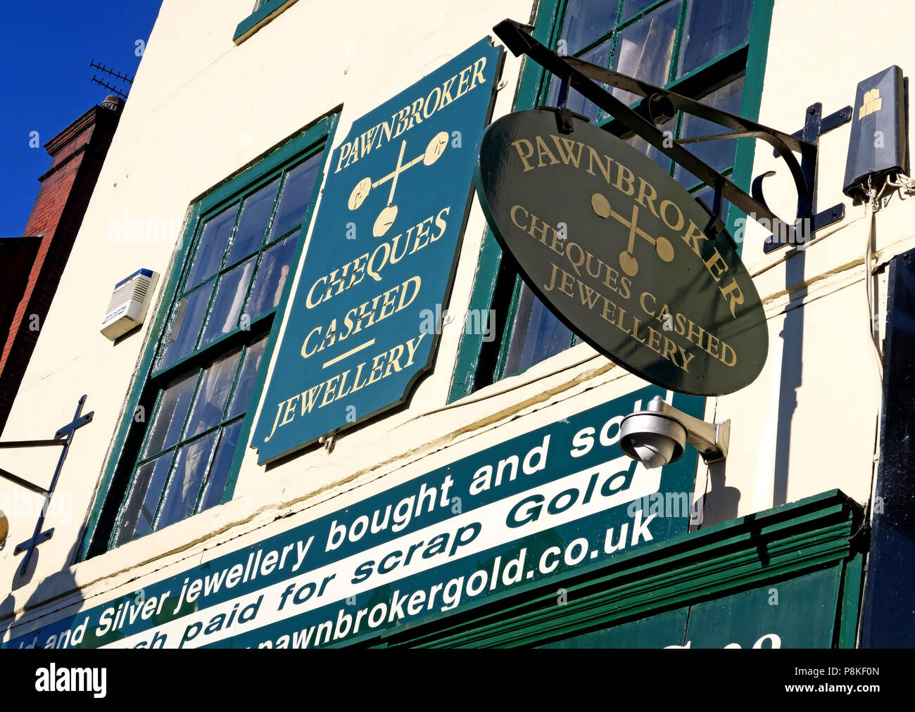 Antique & Bargain Stores Ltd, Pawnbrokers, pawn shop,  28 Market Place, Doncaster, South Yorkshire, England,UK,  DN1 1NE Stock Photo