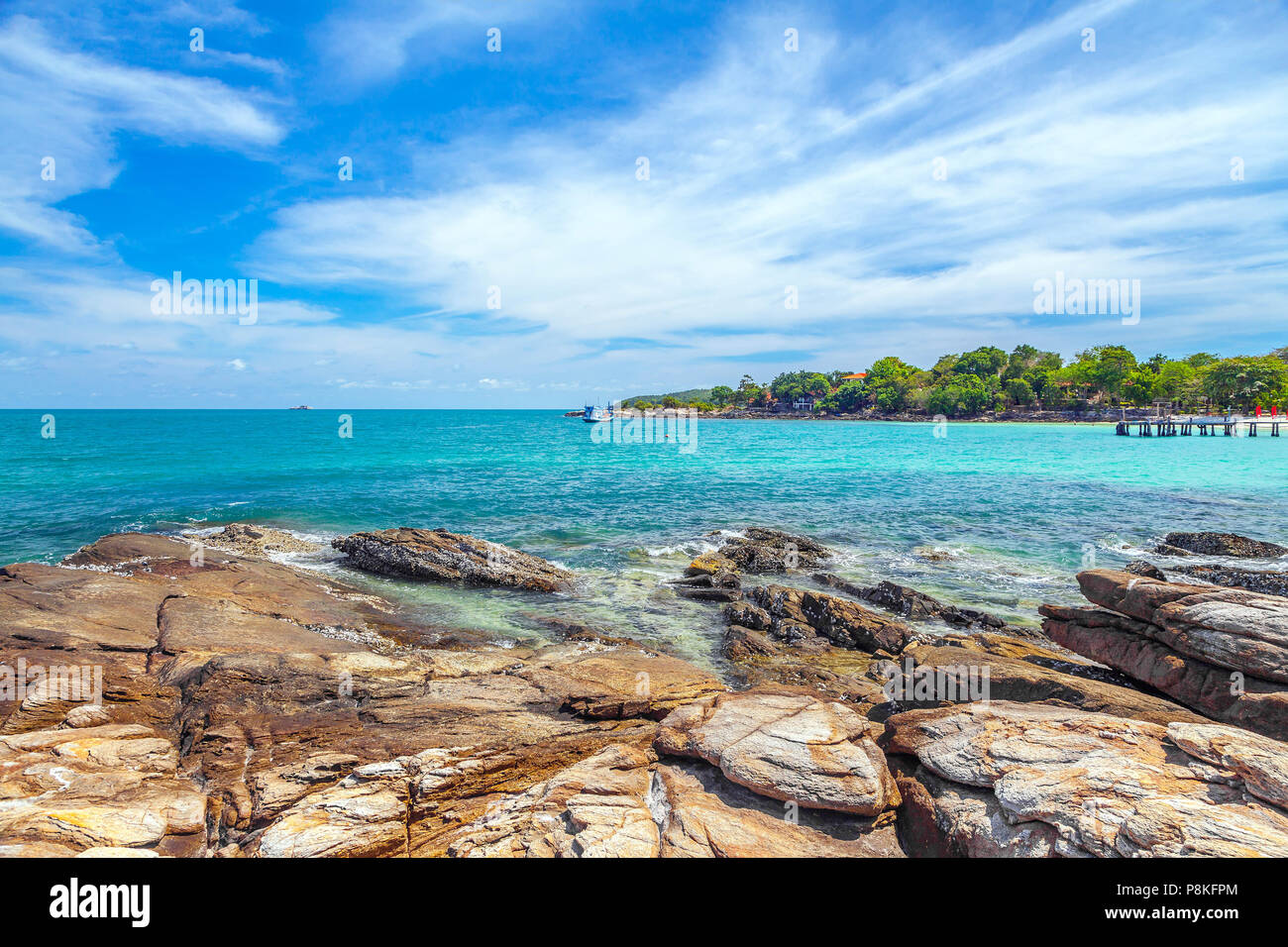 Rocky coast of Samed Island in Thailand. - Stock Image