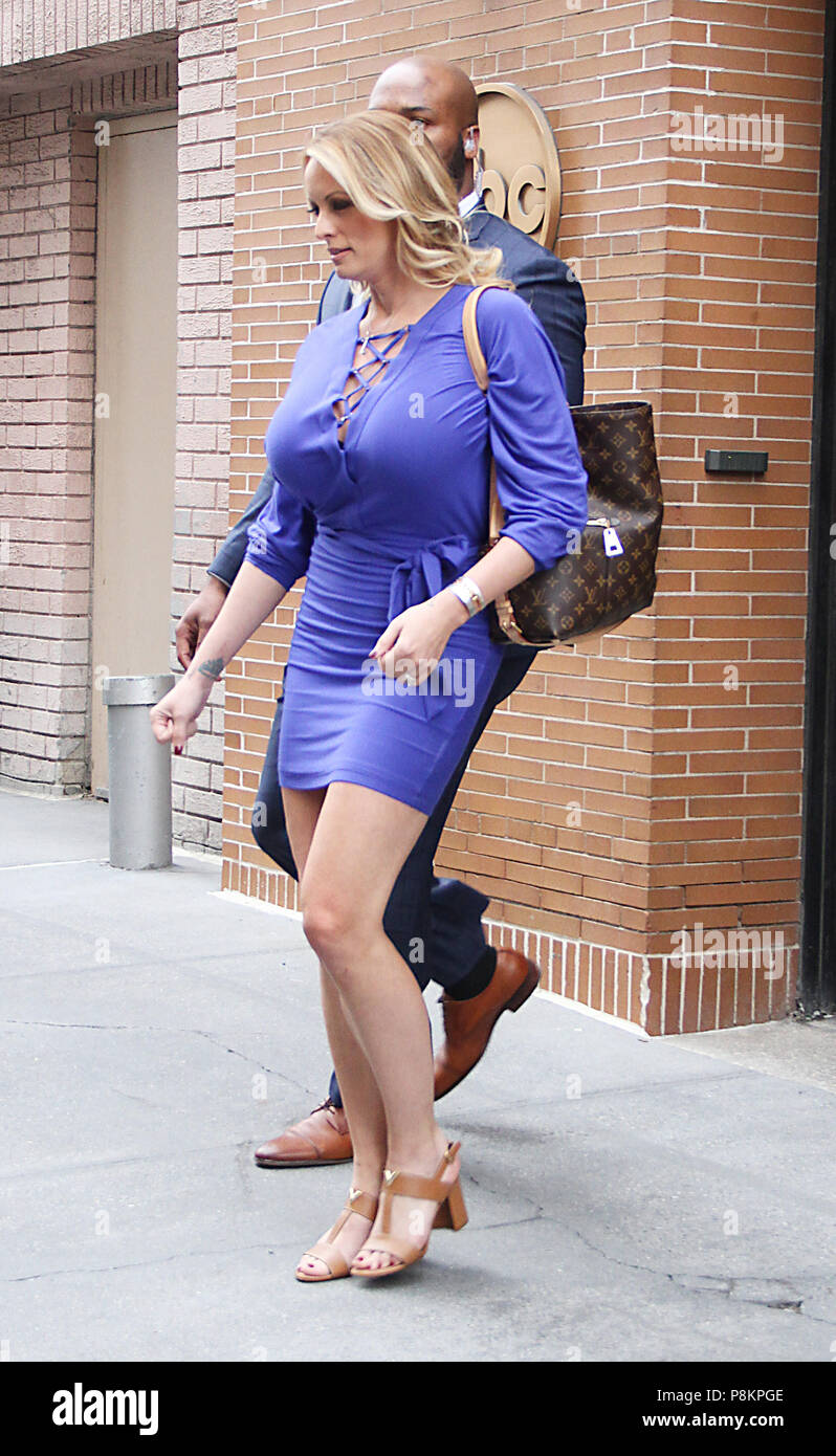 Feet Stormy Daniels naked (47 photo), Cleavage
