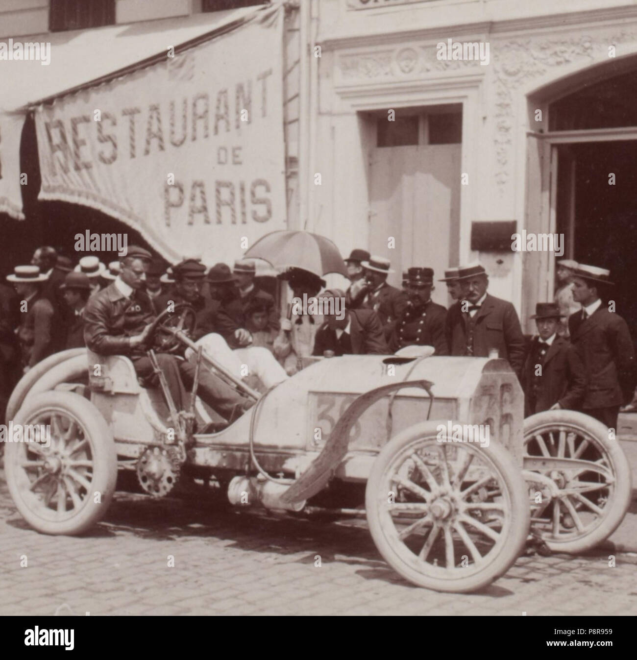 [Collection Jules Beau. Photographie sportive] : T. 21. Année 1903 / Jules Beau : F. 43v. [Paris - Bordeaux]; 444 Otto Hieronimus au Paris-Madrid 1903 (Mercedes numéro 36) Stock Photo