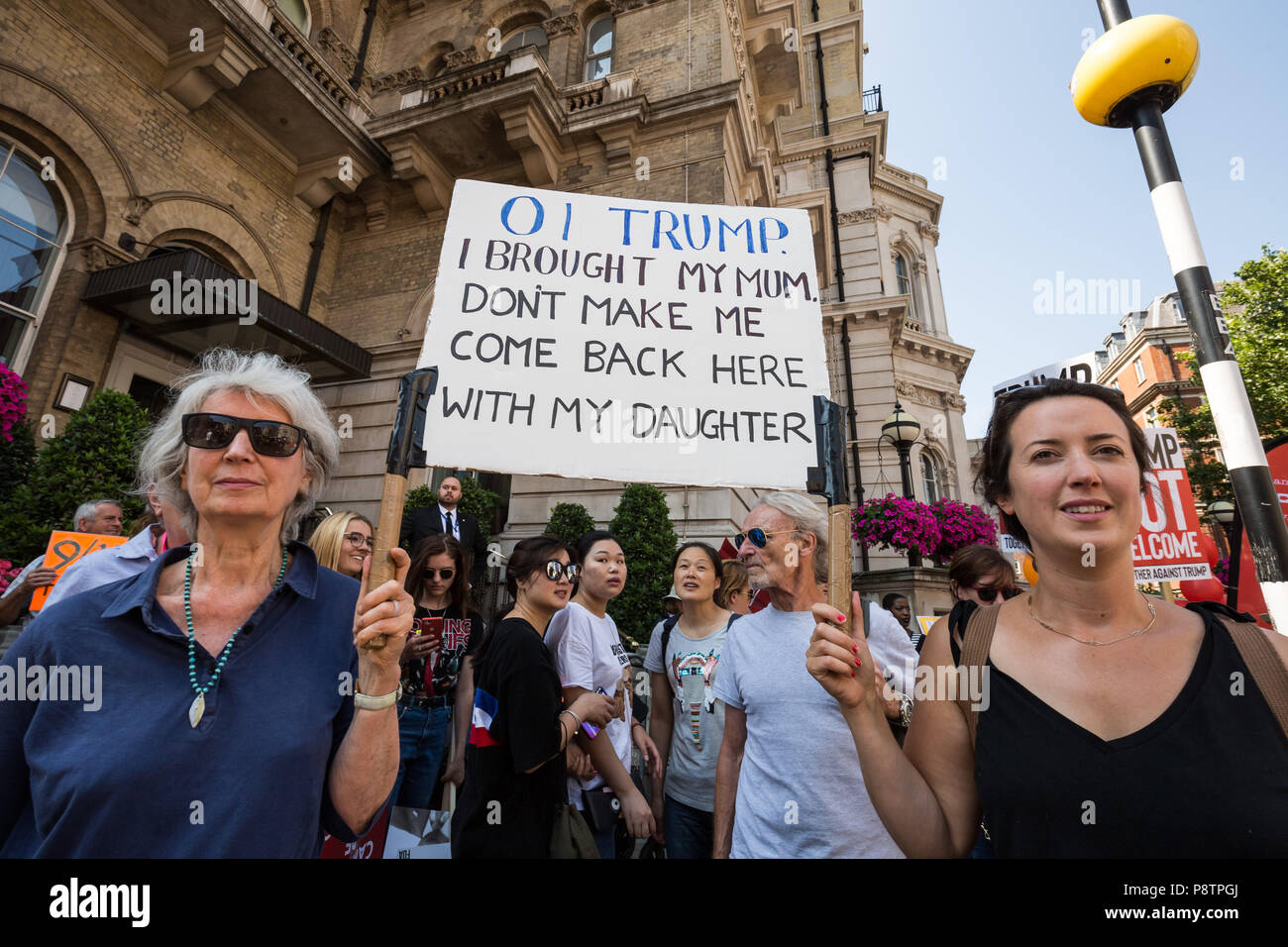 London, UK. 13th July, 2018. Anti-Trump demonstration draws thousands of protesters to the city on the day US president Donald Trump begins his UK visit. Credit: Guy Corbishley/Alamy Live News - Stock Image