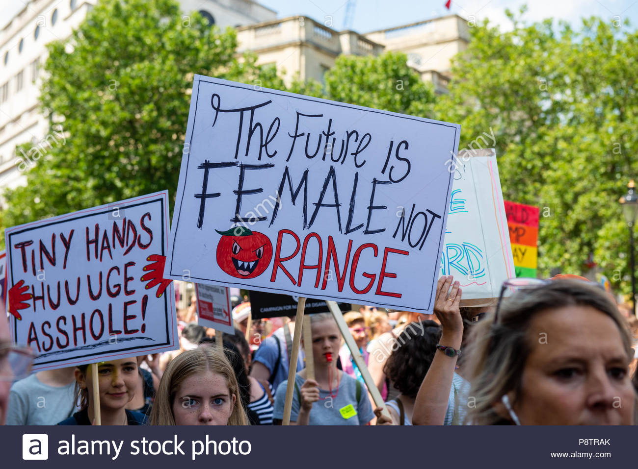 London, Great Britain, 13 Jul 2018 Tens of thousands of protesters take to the streets off London protesting against the working visit of Donald Trump.  Credit: David Nash/Alamy Live News - Stock Image