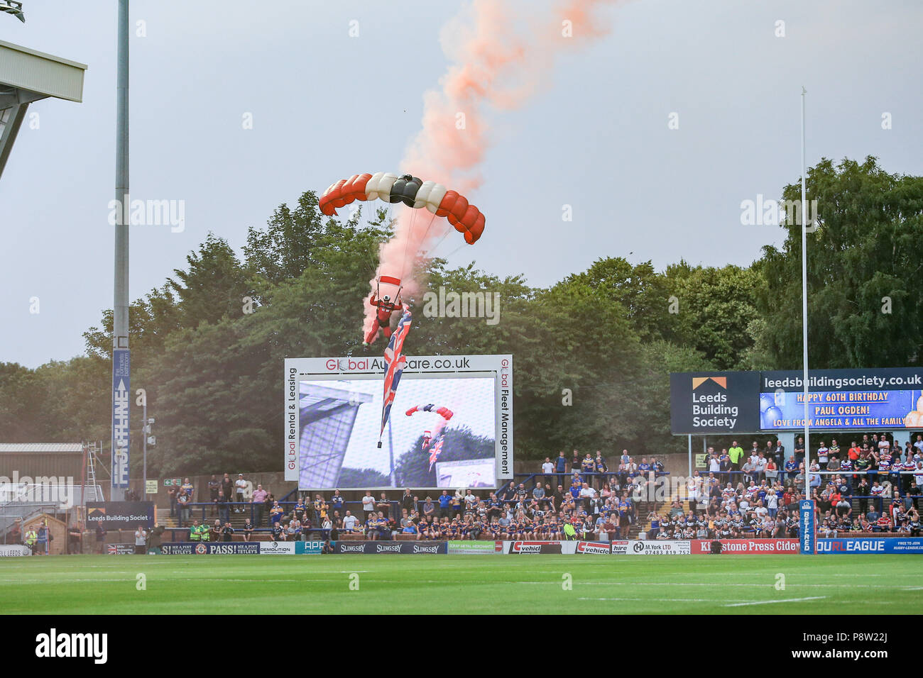 Friday 13th July 2018 , Emerald Headingley Stadium, Leeds, England; Betfred Super League, Leeds Rhinos v Wakefield Trinity;Army's Red Devils drop on as part of armed forces day Credit: News Images /Alamy Live News - Stock Image