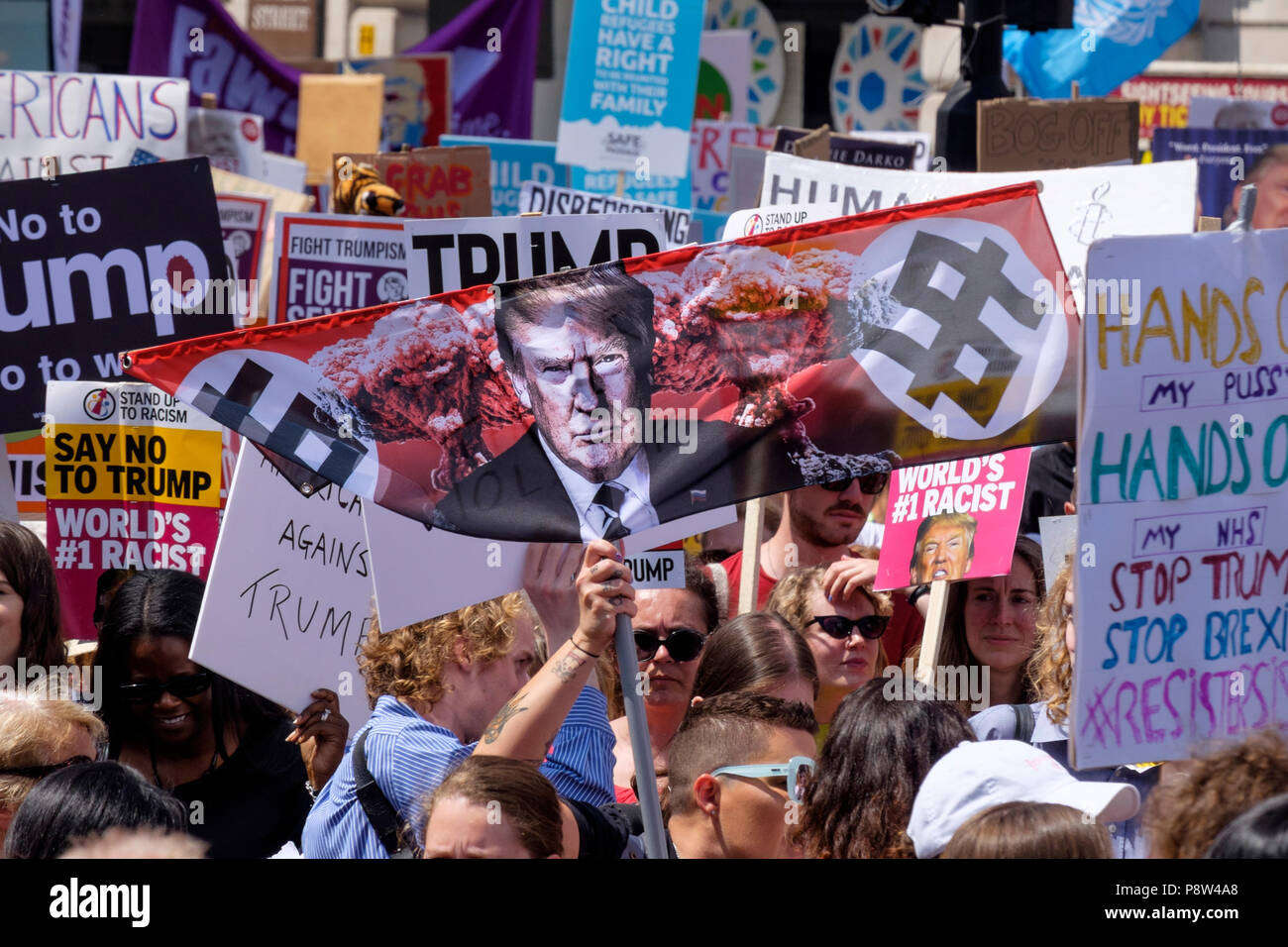 London, UK. 13th July 2018. Tens of thousands of people took to the streets of central London to protest against US President Donald Trump's visit to the UK. Credit: mark phillips/Alamy Live News Stock Photo