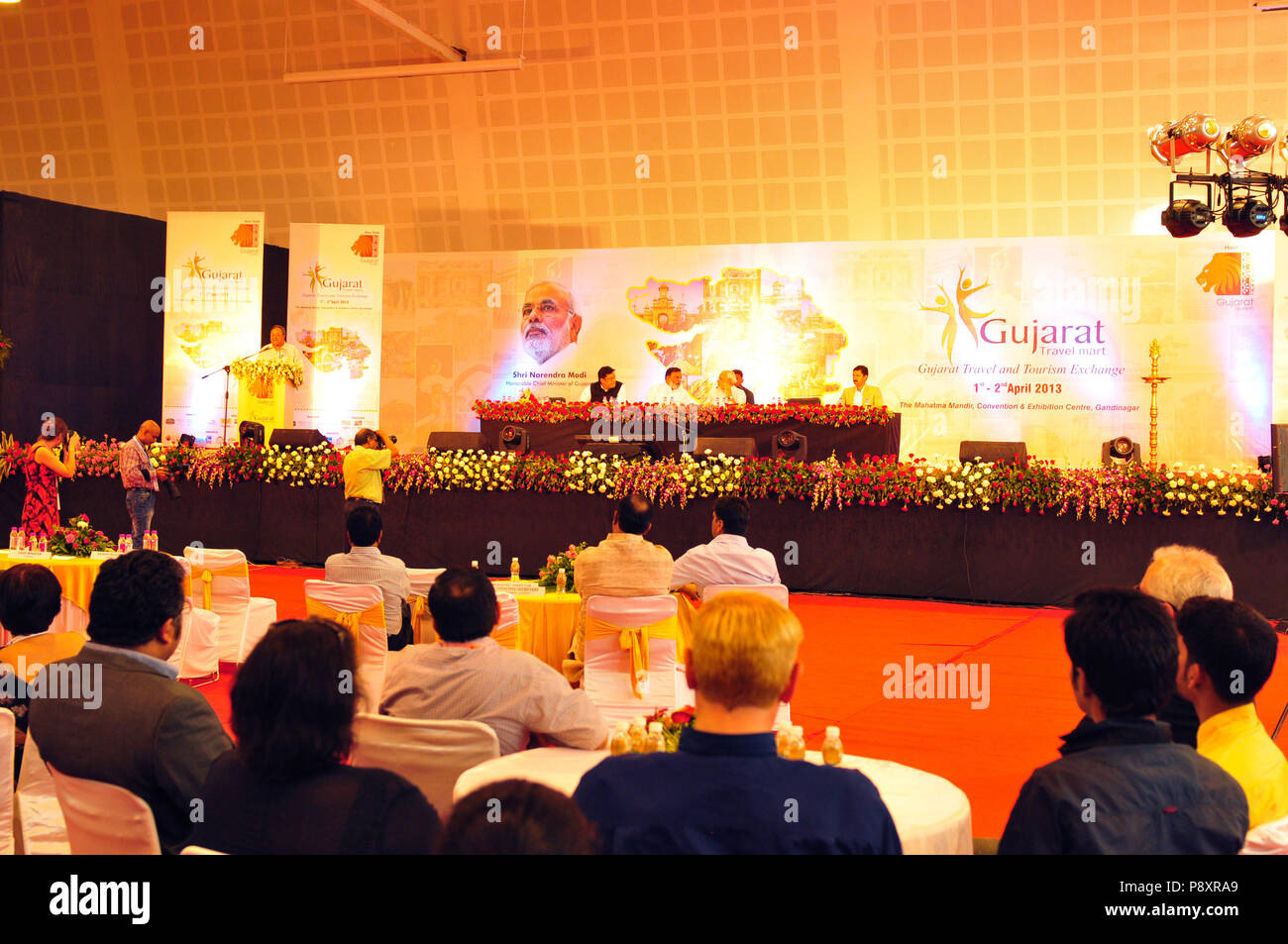 Media representatives at Gujarats ministers press conference at Gujarat Travel Mart in Ahmedabad - Stock Image