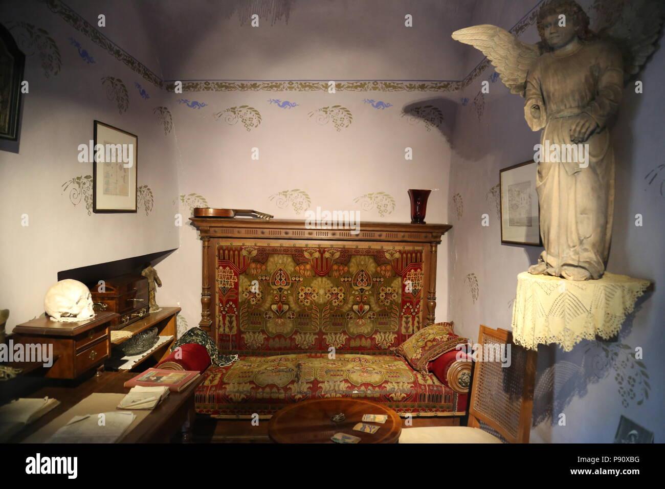 Fortune-tellers House, 14 Golden Lane, Prague Castle, Hradčany, Prague, Czechia (Czech Republic), Europe - Stock Image