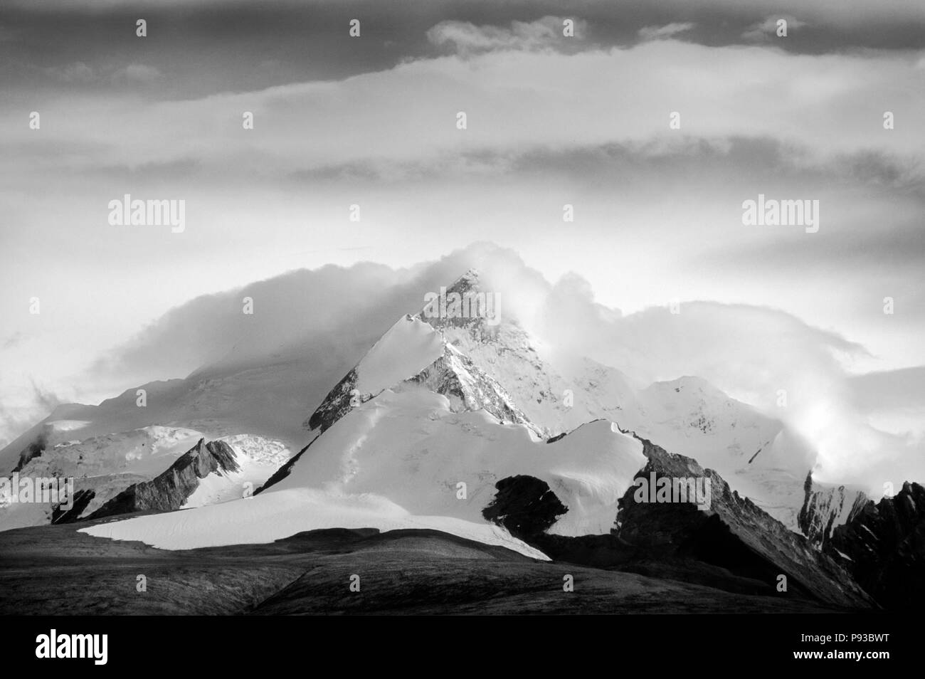 HIMALAYAN PEAKS  - Southern route to MOUNT KAILASH, TIBET - Stock Image