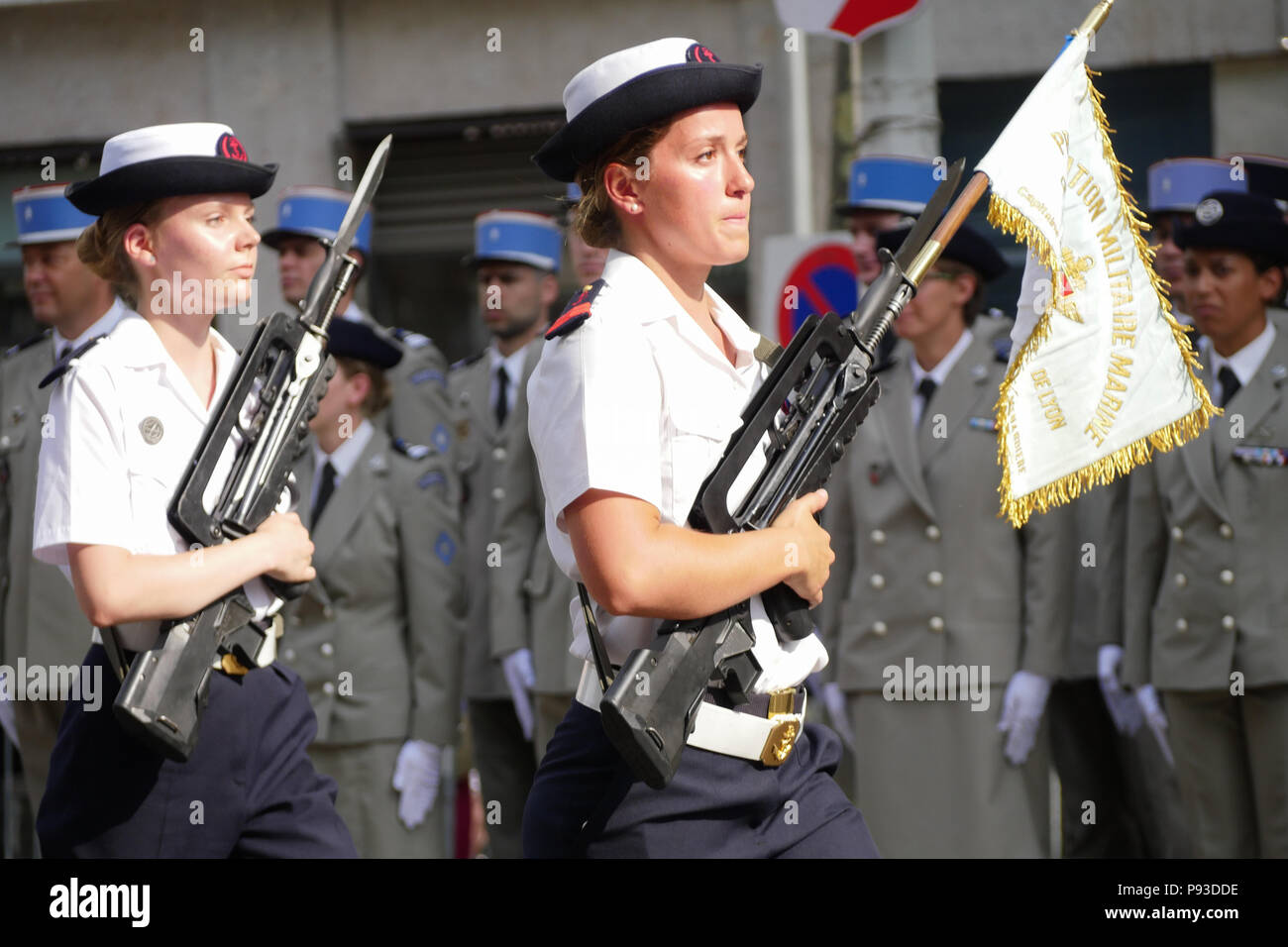 female soldiers celebration stock photos female soldiers celebration stock images alamy. Black Bedroom Furniture Sets. Home Design Ideas