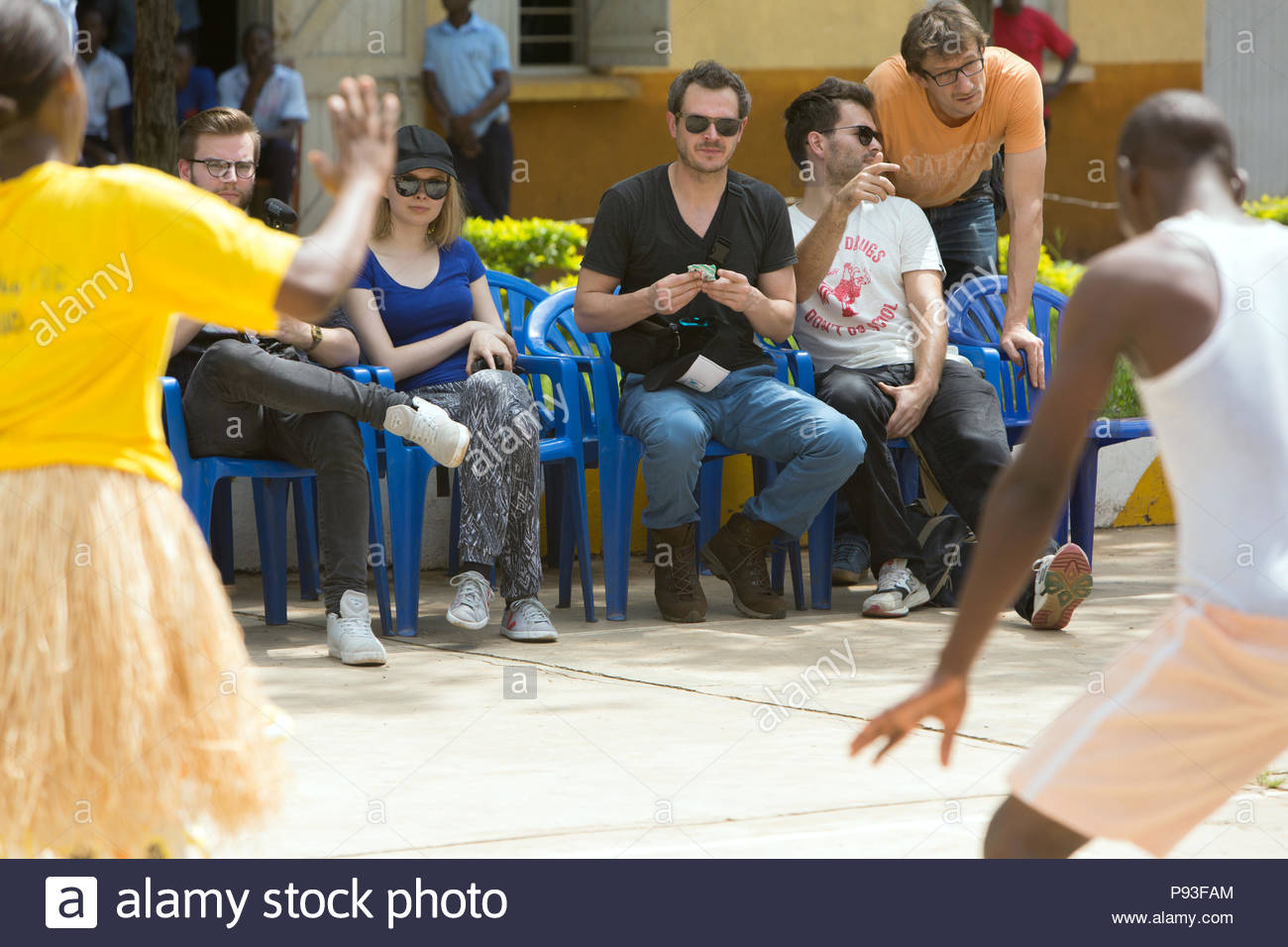 Bombo, Uganda - Student and student of the Don Bosco Vocational Training Center Bombo perform a dance. Well-known creators look at it. - Stock Image