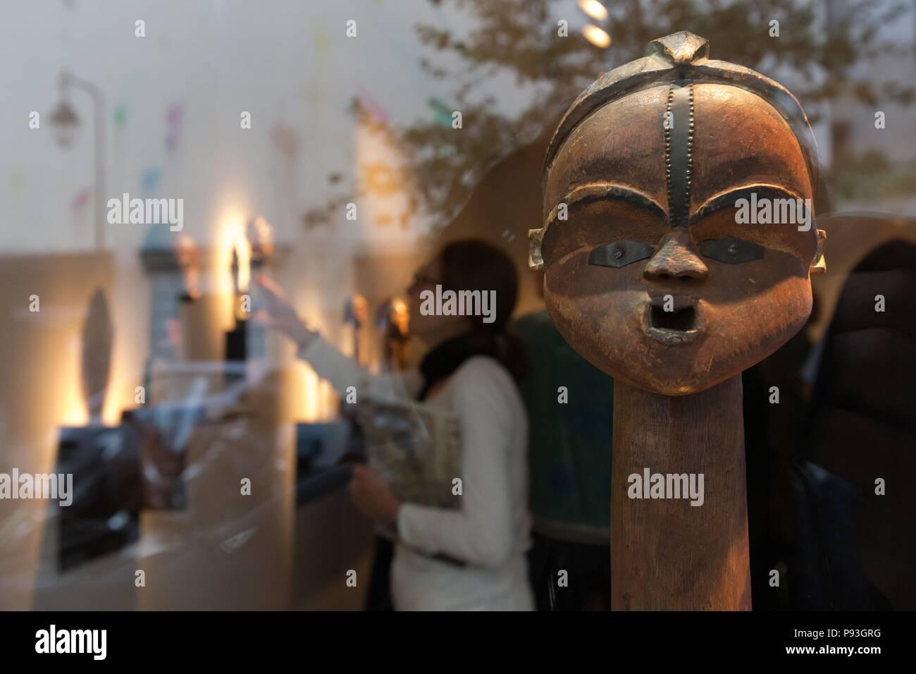 TSOGHO EXHIBITION, THE ICONS OF BWITI, DULON GALLERY, PARIS (75), ILE DE FRANCE, FRANCE - Stock Image
