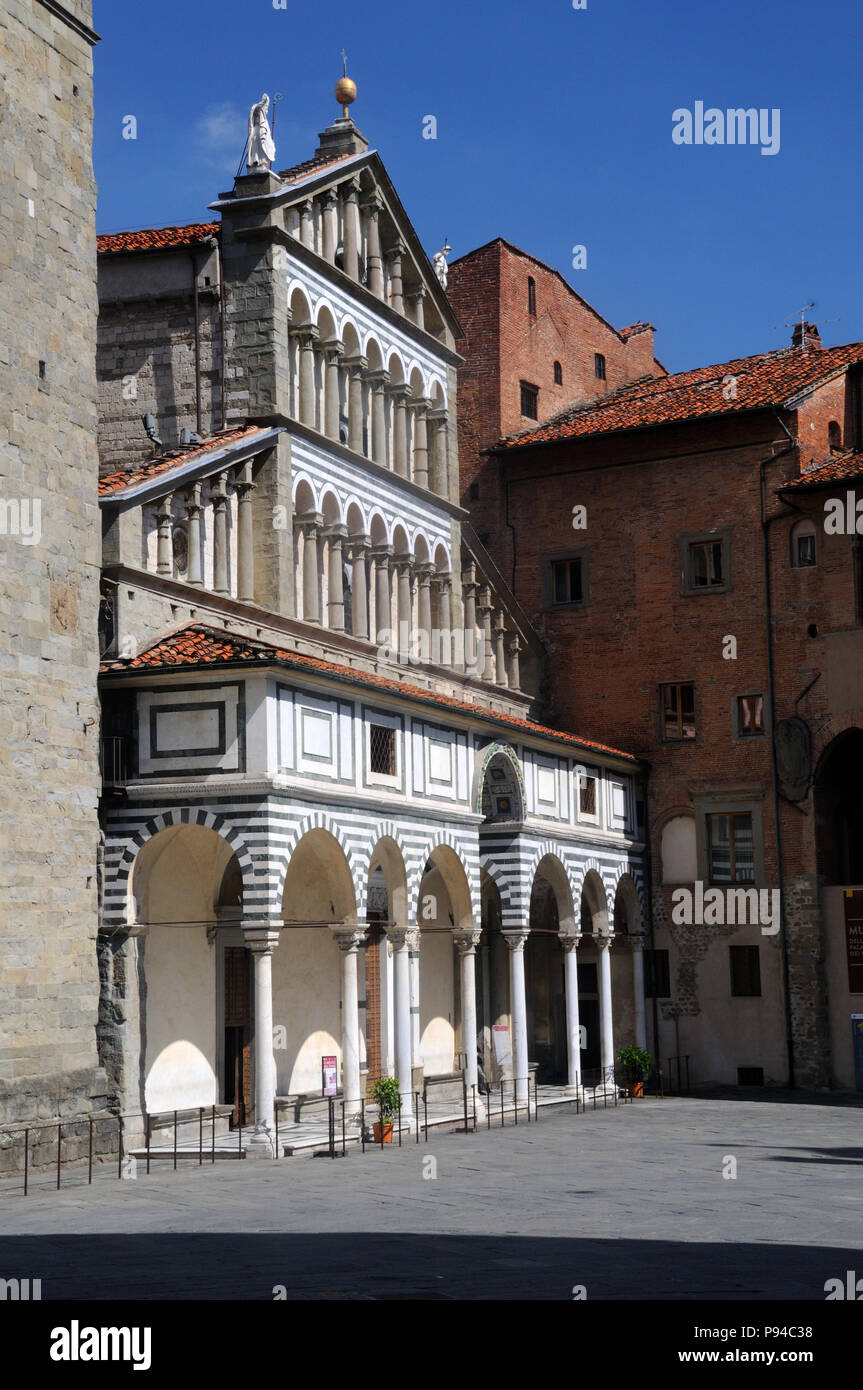 Oblique view of the west front of the Cathedral of San Zeno, in Pistoia, Tuscany, Italy - Stock Image