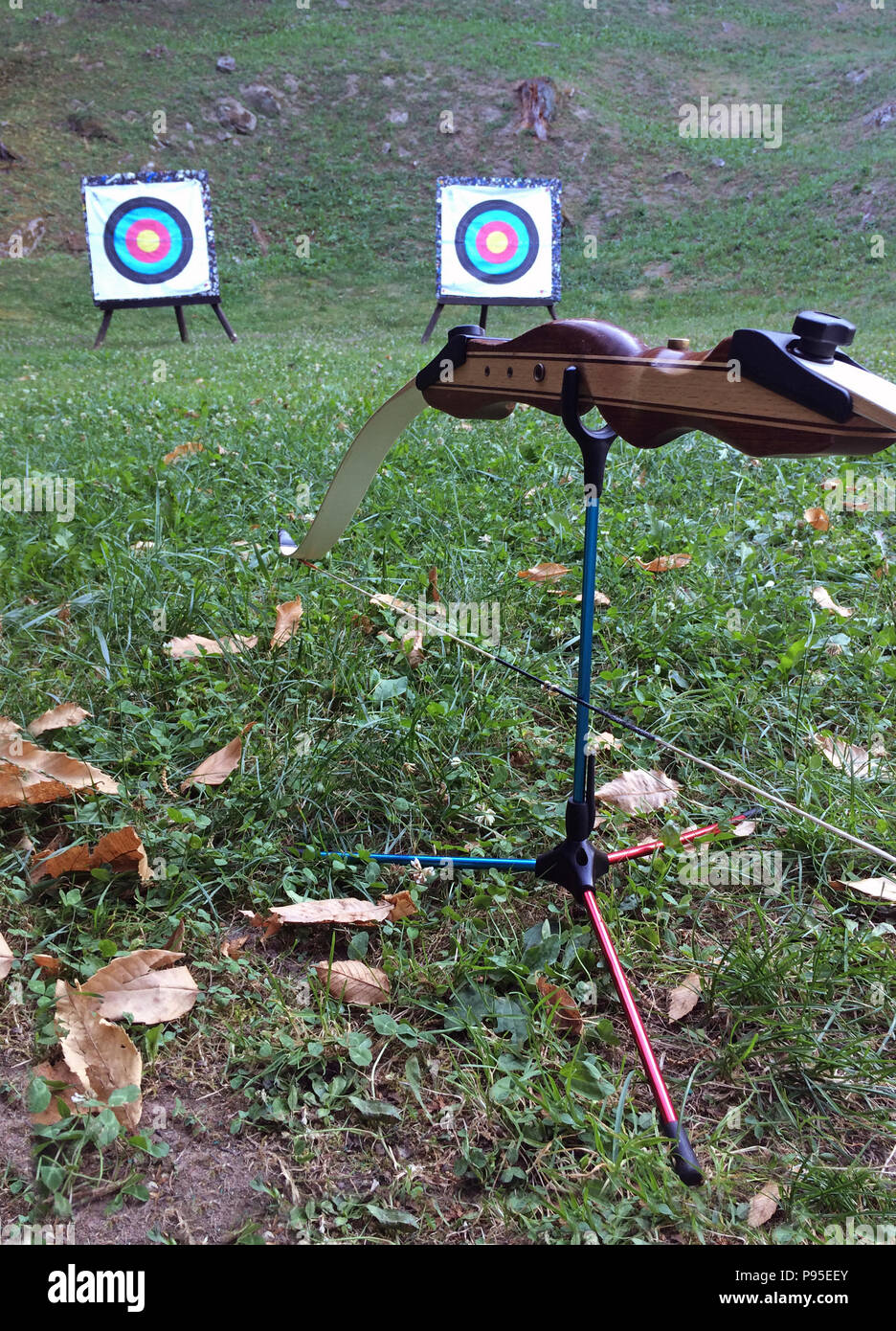 Resting bow with two targets in the background - Stock Image