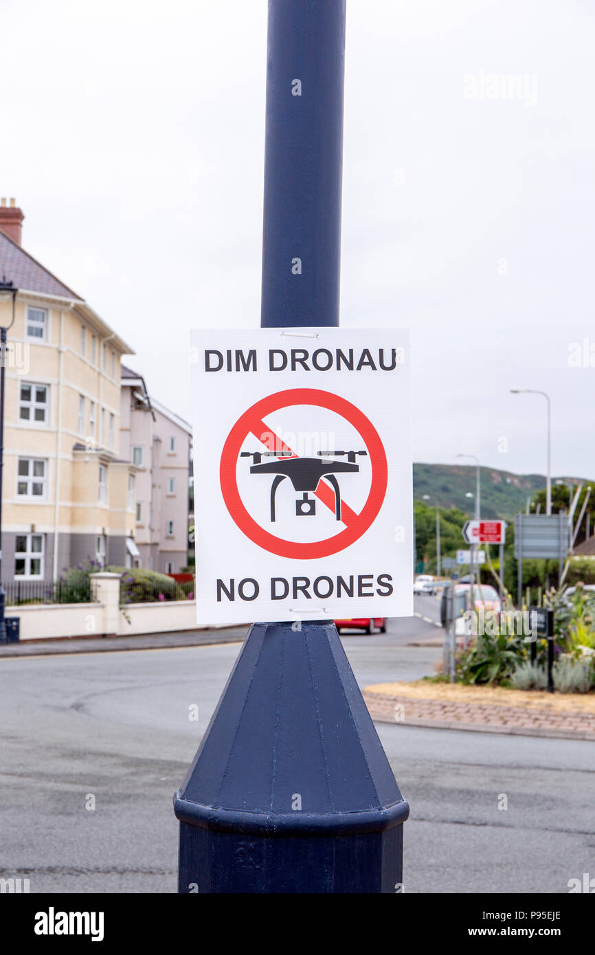 No drones sign on the promenade in Llandudno Wales UK - Stock Image