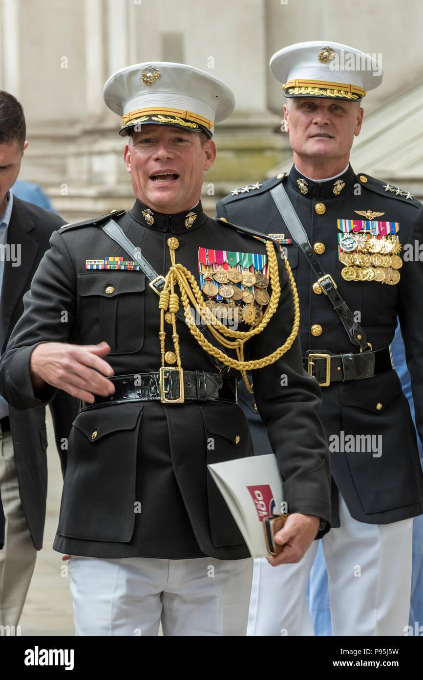Marine Dress Uniform Stock Photos & Marine Dress Uniform