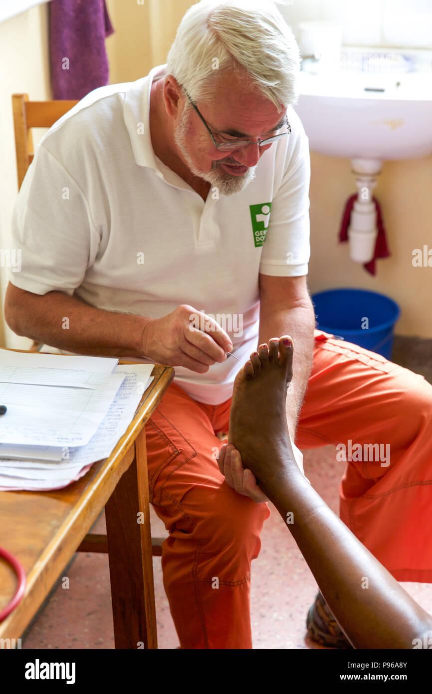 German doctors provide medical help in slums of Nairobi - Kenya Stock Photo