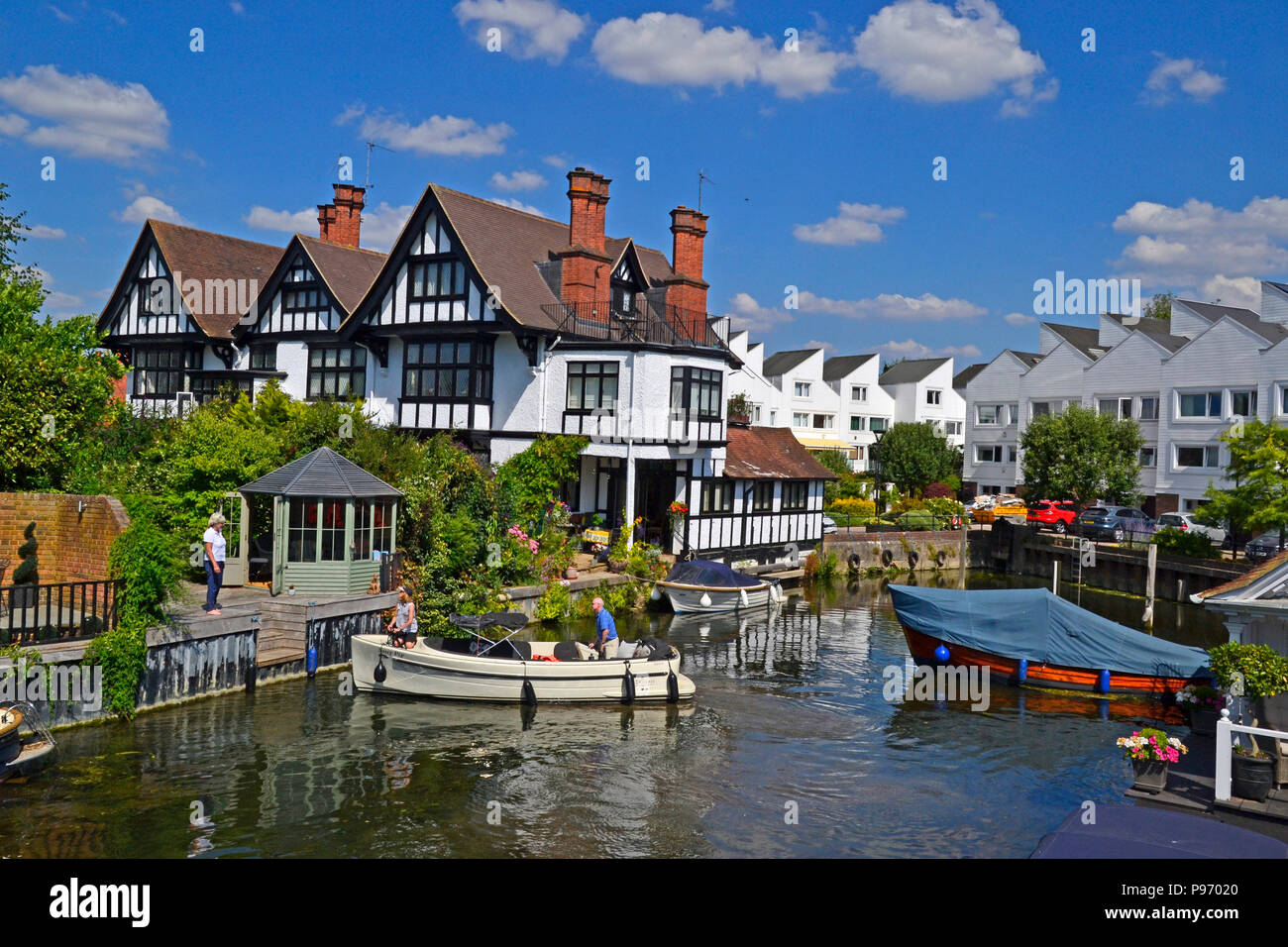 Marlow Lock on the River Thames in Marlow, Buckinghamshire, England, UK - Stock Image