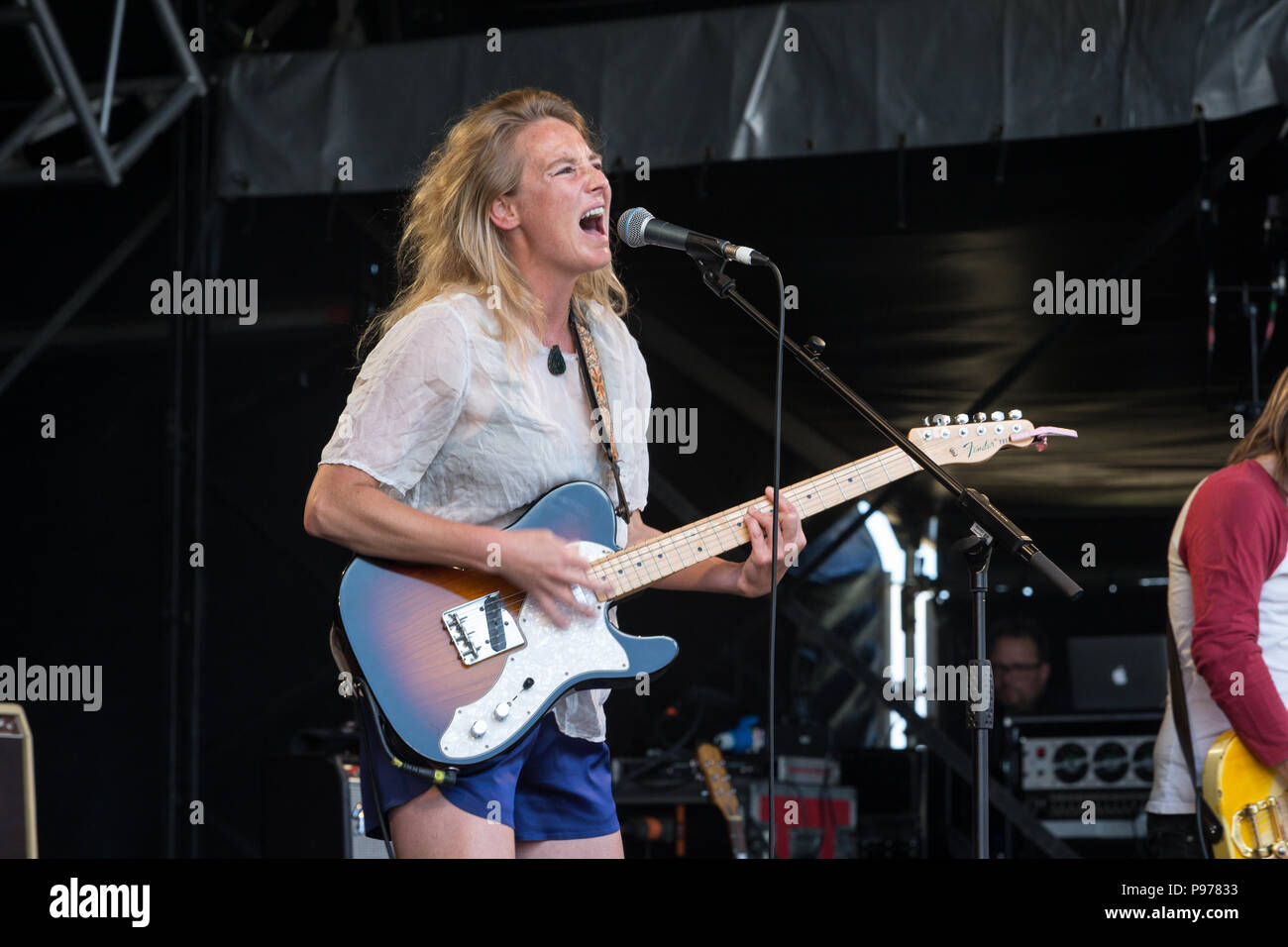 Lissie performs at the 2018 Cornbury Festival, Great Tew, Oxfordshire  15th July 2018. Elisabeth Corrin Maurus (born November 21, 1982), known as Lissie, is an American singer-songwriter. She released her debut EP, 'Why You Runnin'', in November 2009. Her debut album, Catching a Tiger, was released in June 2010. - Stock Image