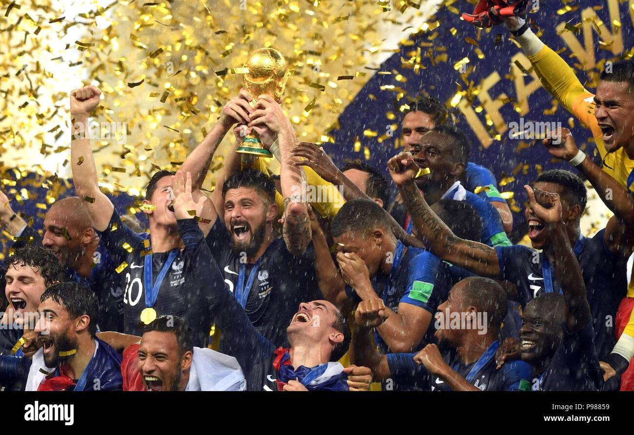 The French team celebrates their victory over Croatia in the 2018 FIFA World Cup Final at Luzhniki stadium July 15, 2018 in Moscow, Russia. France became the World Cup football champions defeating Croatia 4-2. - Stock Image