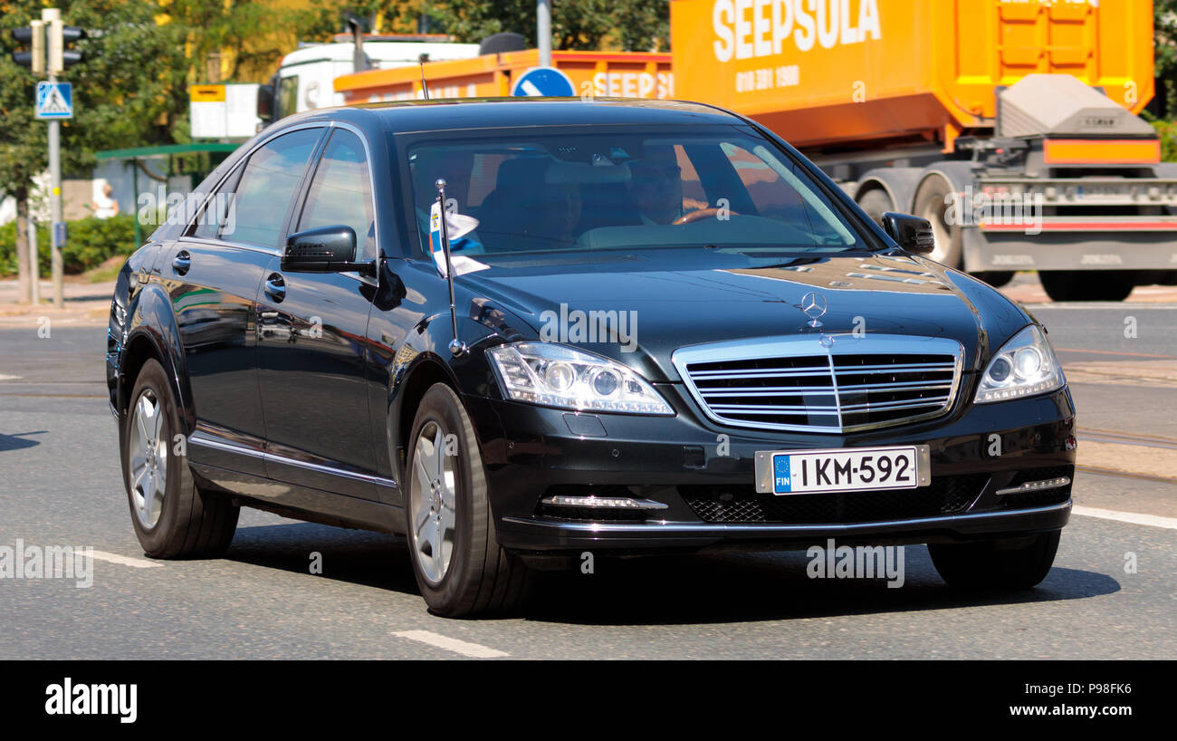 Helsinki, Finland. 16th July 2018. President Sauli Niinistö being driven to the Presidential Palace for hosting the meeting Credit: Hannu Mononen/Alamy Live News - Stock Image