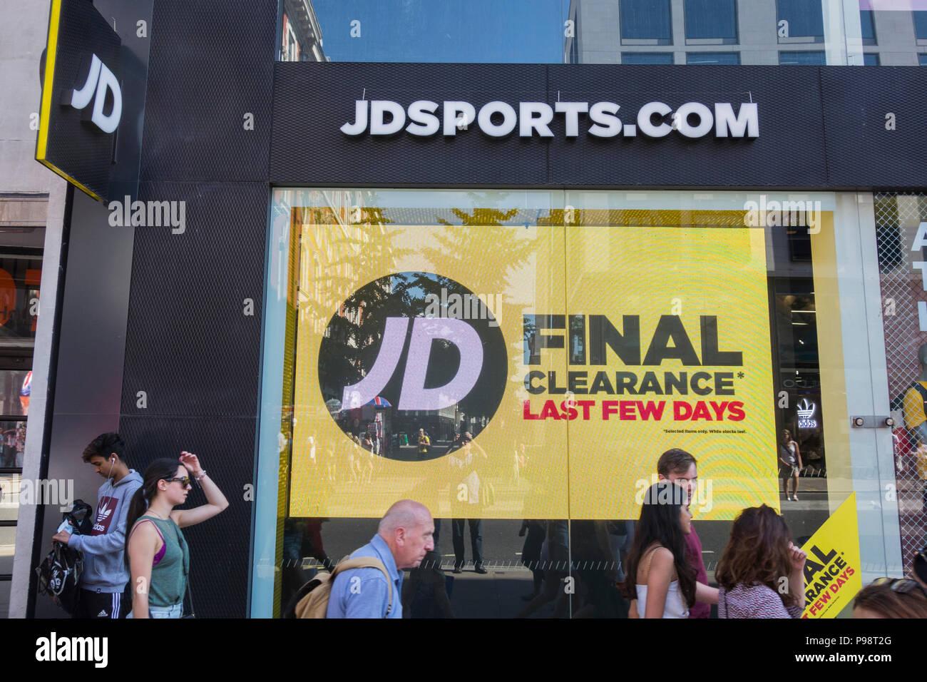 Jd Sports Shop Summer Sale Oxford Street London Uk Stock Photo Alamy