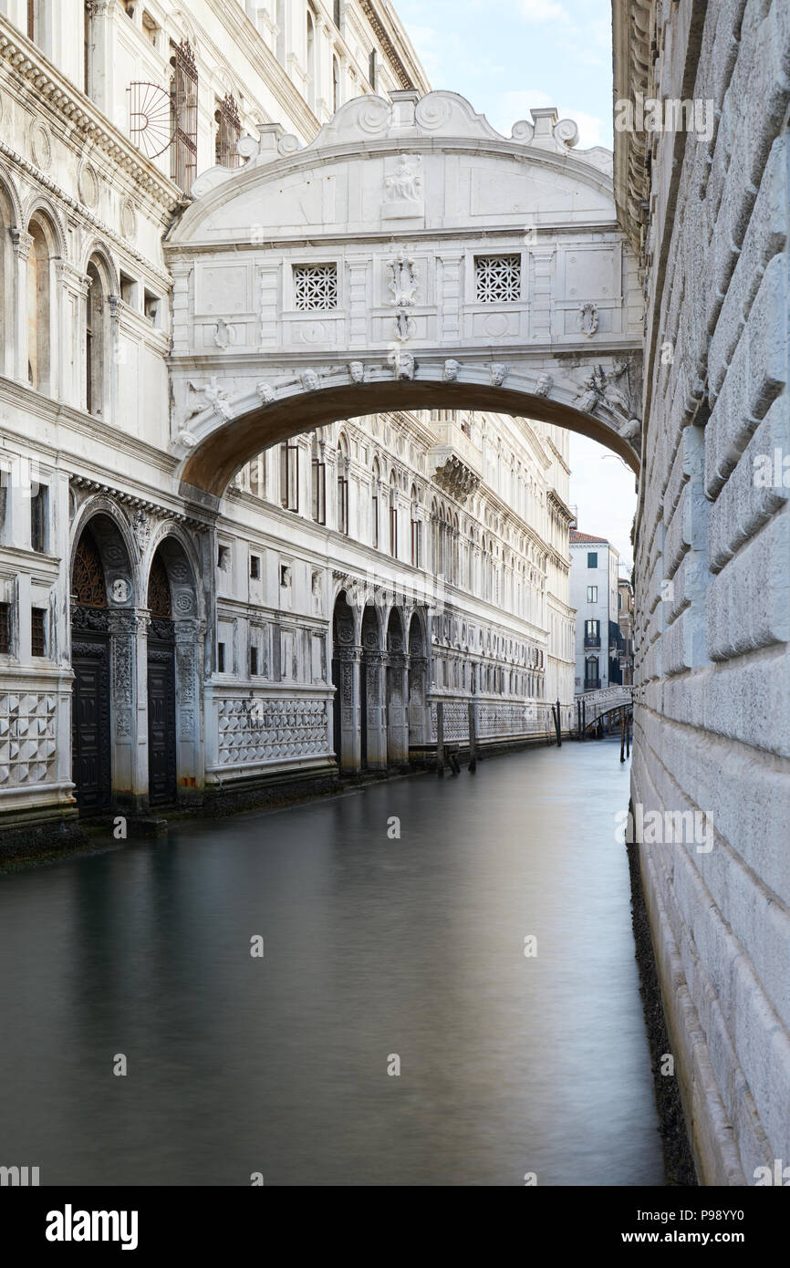 Bridge of Sighs, nobody in Venice in the early morning, Italy - Stock Image