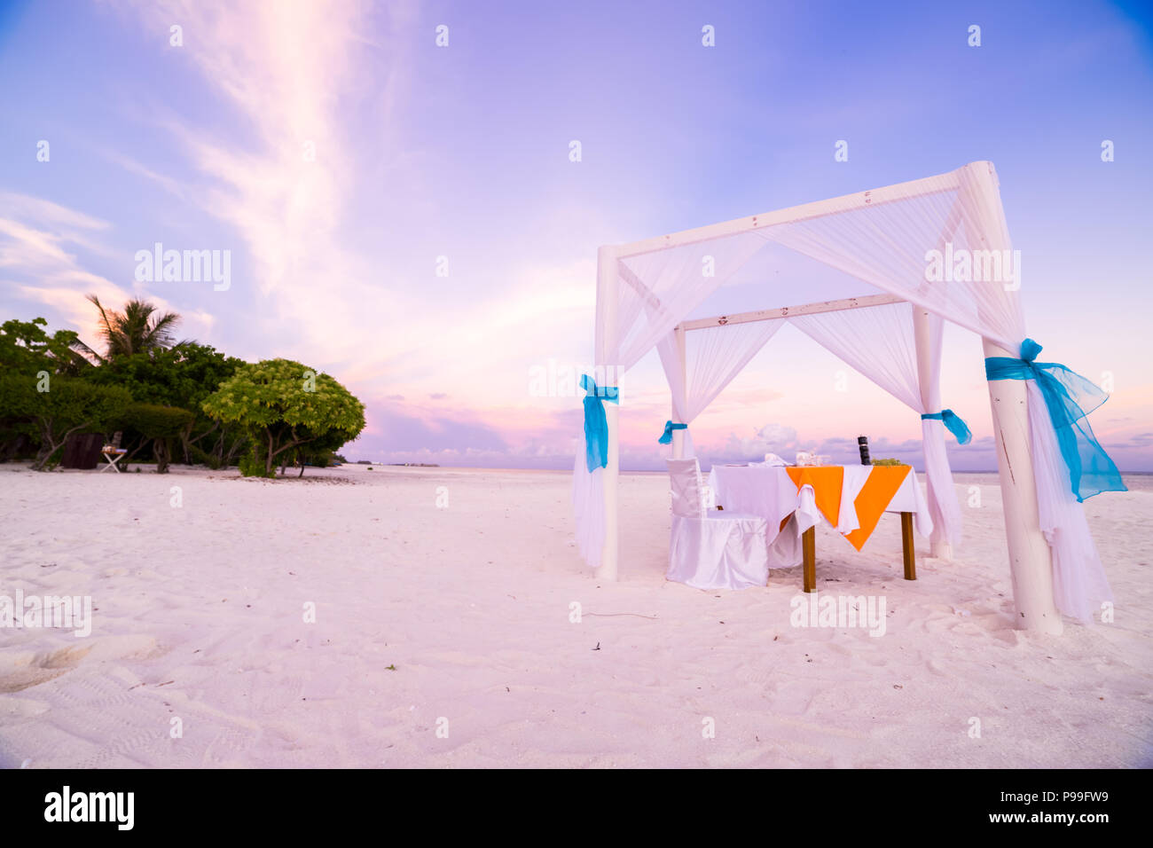 Beach Wedding Setup Stock Photos & Beach Wedding Setup Stock Images ...