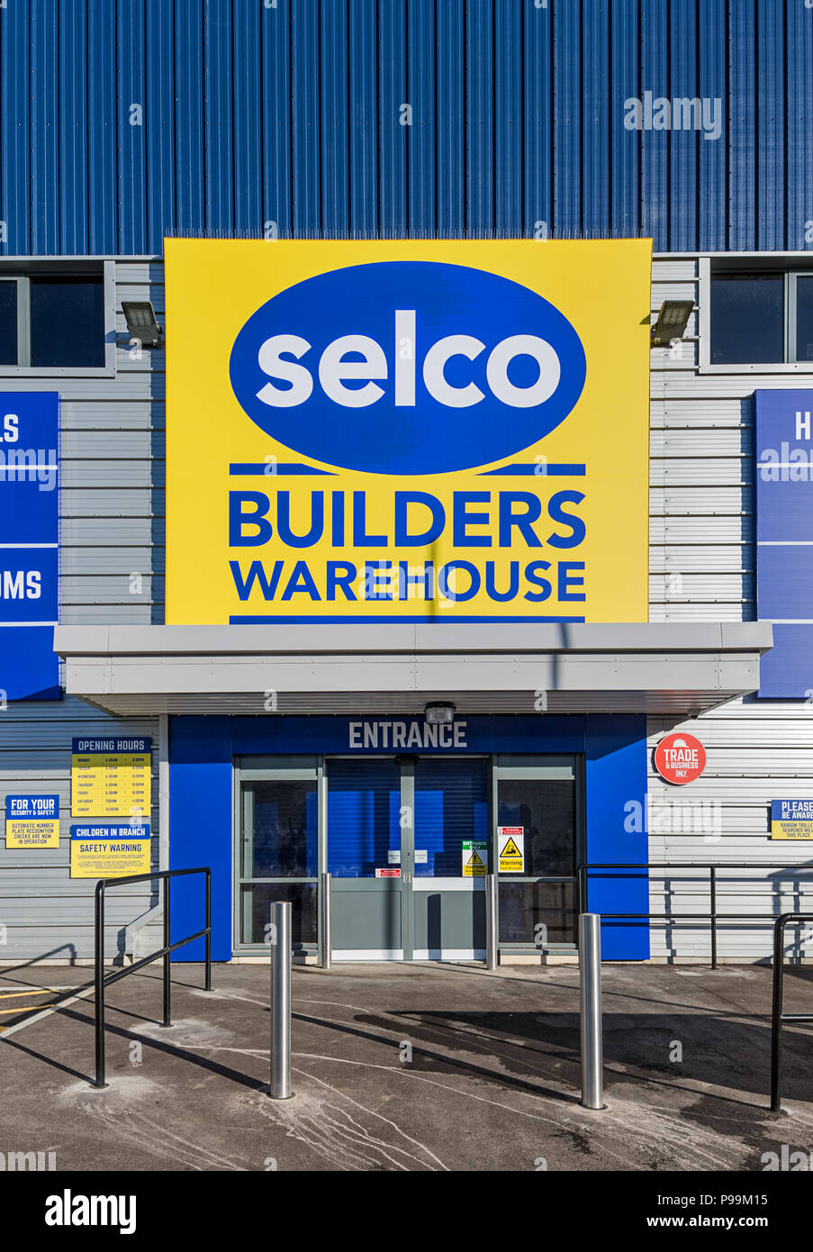 Selco Builders Merchant in Hayes, Middlesex - Stock Image
