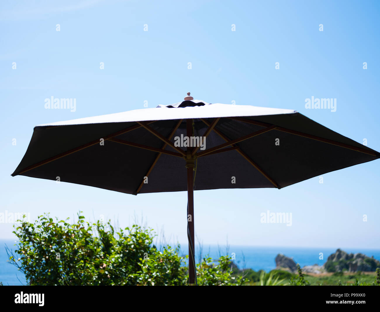 Picnic Table Parasol Stock Photos Picnic Table Parasol Stock - Picnic table parasol