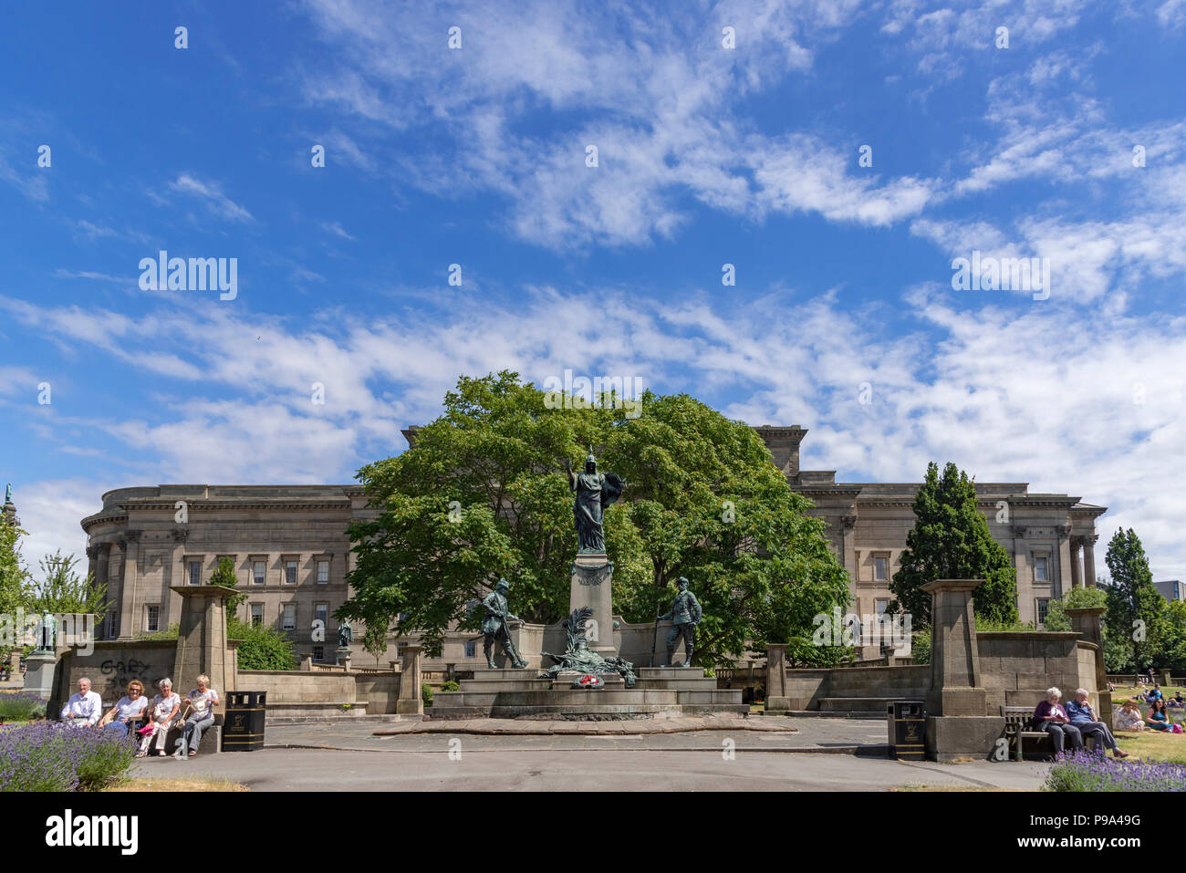The St. Johns gardens in Liverpool by St Georges hall the monument commemorates the service of the King's Regiment in the South African War. - Stock Image