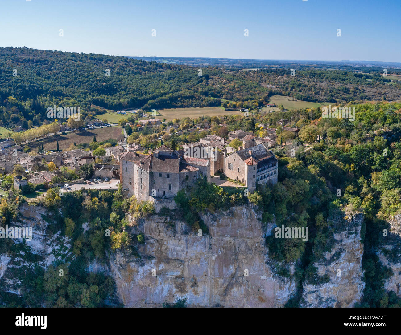 France, Tarn et Garonne, Quercy, Bruniquel, labelled Les Plus Beaux Villages de France (The Most beautiful Villages of France), village built on a roc - Stock Image