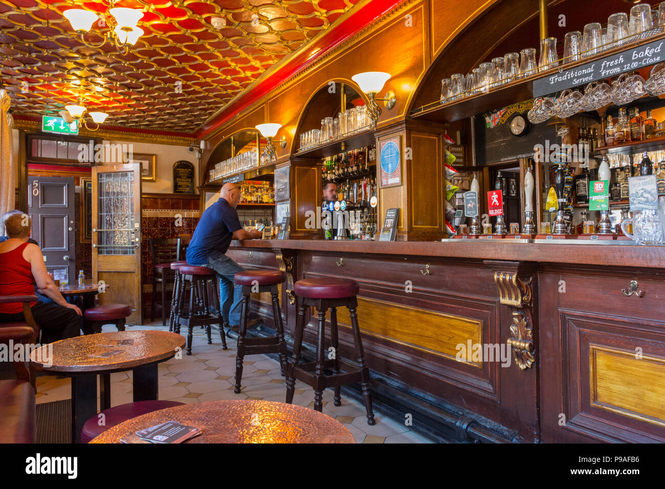 Inside the historic 'Briton's Protection' public house, Manchester, England, UK. Grade II listed. - Stock Image