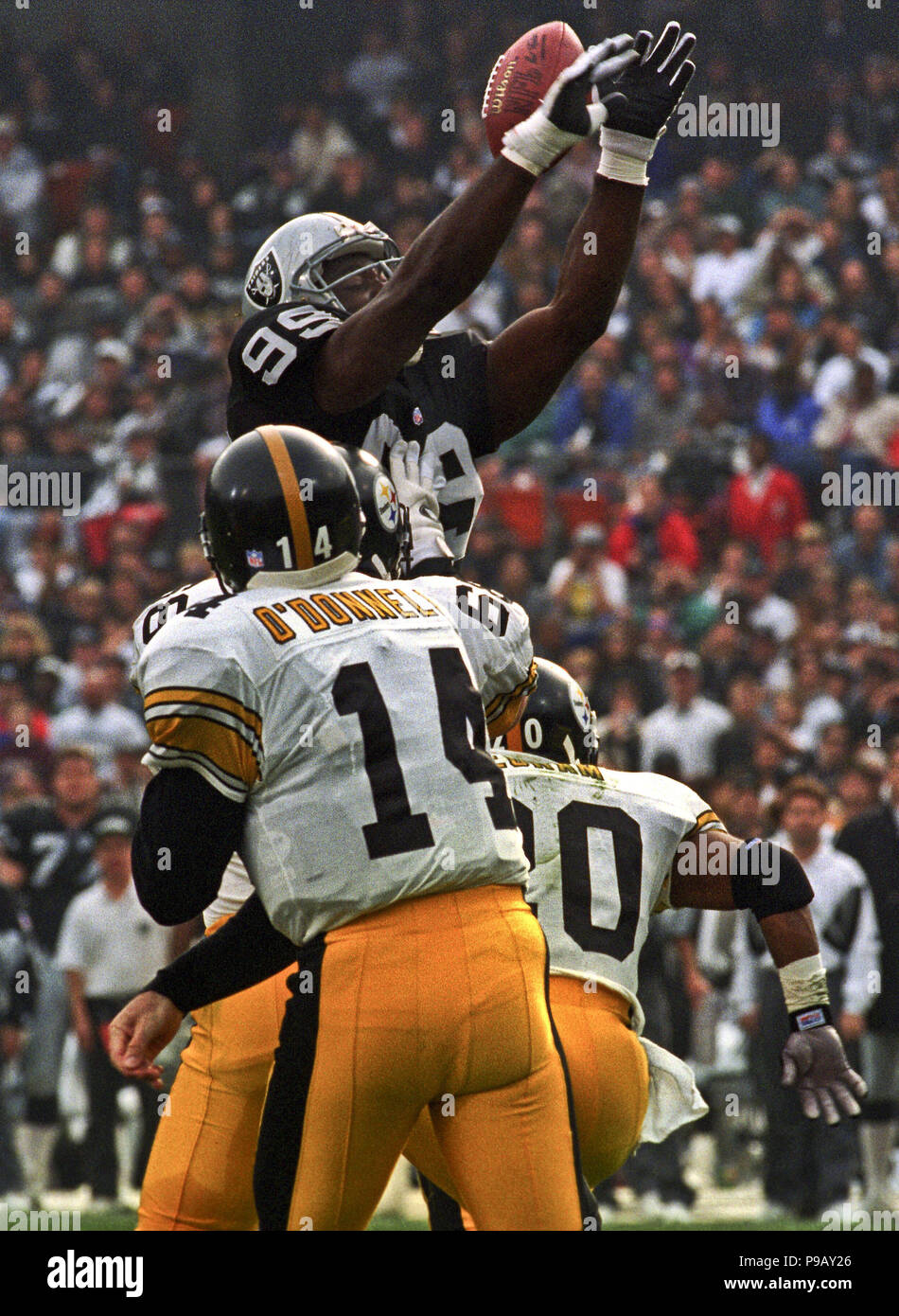 Steelers At Oakland Alameda County Coliseum Sunday December 10 1995 Beat Raiders 29 Linebacker Aundray Bruce 99 Blocks