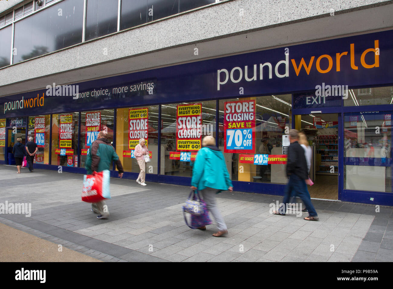 Southport, Merseyside, 17/07/2018. Chapel Street PoundWorld closing down sale, high street stores face closure in the seaside town. Market stalls and street traders now seem to dominate the retail landscapes as traditional fashion and discount stores become casualties of high business rates.  Credit: MediaWorldImages/AlamyLiveNews. Stock Photo