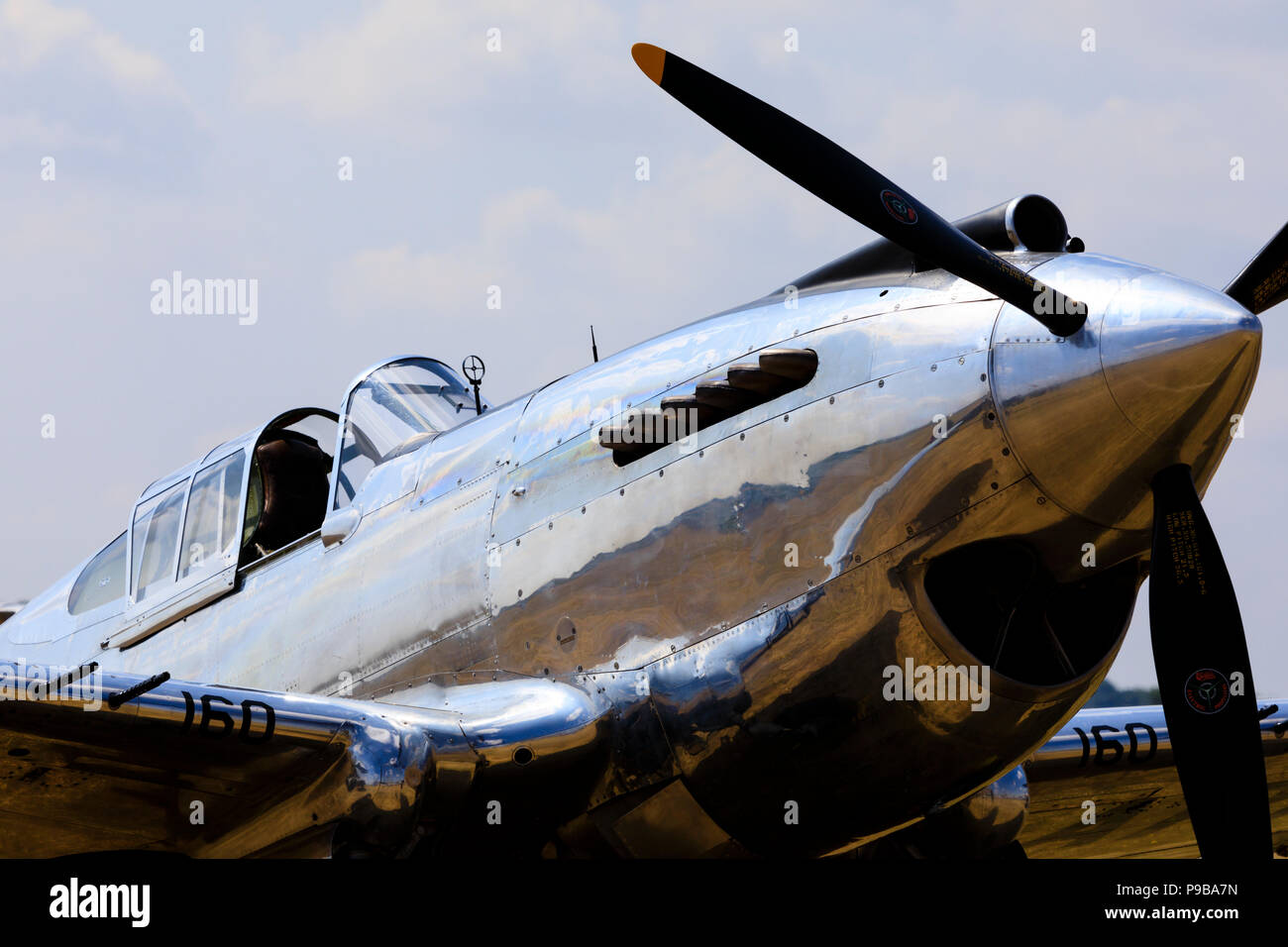 Curtiss Wright P40c Warhawk. Polished finish, G-CIIO - Stock Image