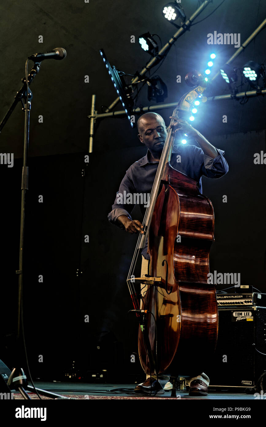 Kevin Hamilton playing upright bass with Ranky Tanky, Vancouver Folk Music Festival, Vancouver, British Columbia, Canada. Stock Photo
