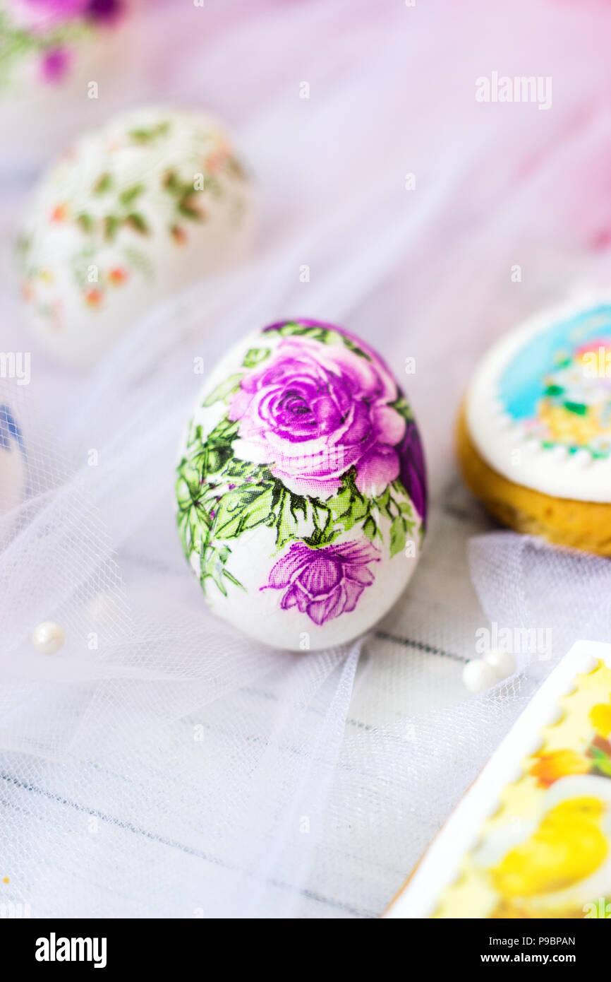 Decoupage Easter eggs: decoration technique 33