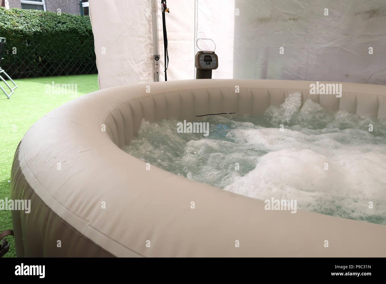 Hot Tub Garden Stock Photos & Hot Tub Garden Stock Images - Alamy
