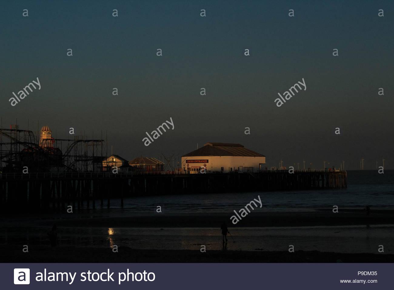 A coastal sunset at Clacton-on-Sea, Essex, Britain. - Stock Image