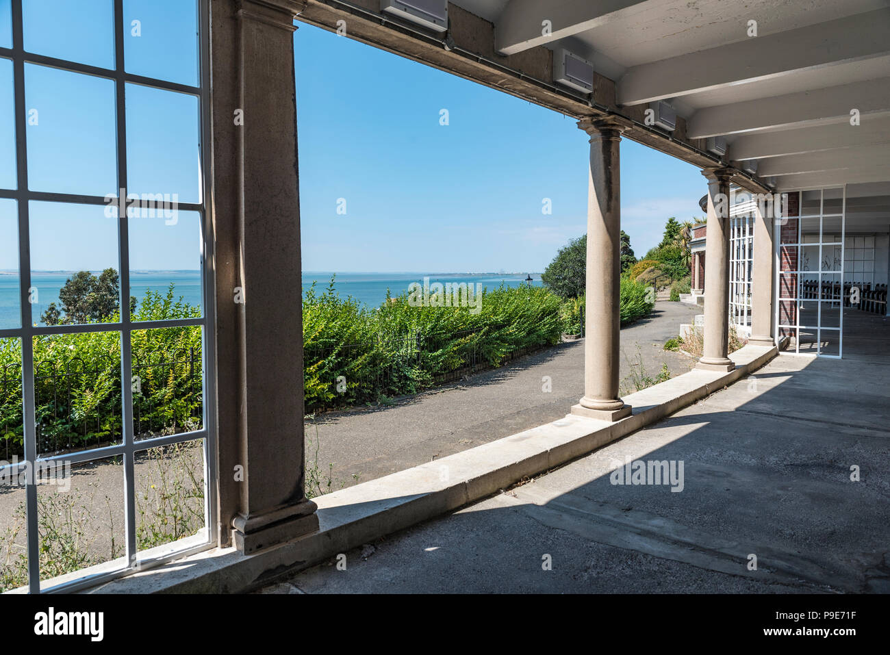 Large curved shelter in Southend on sea's Cliff Gardens,Situated beneath the Westcliff Hotel. Stock Photo