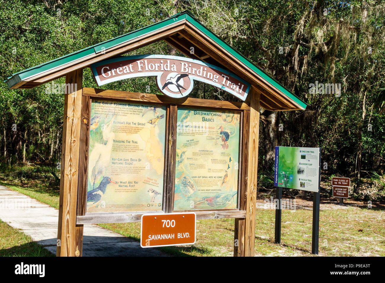 Florida Gainesville Micanopy Paynes Prairie Ecopassage Nature Preserve State Park birding trail kiosk National Natural Landmark conservation interpret - Stock Image