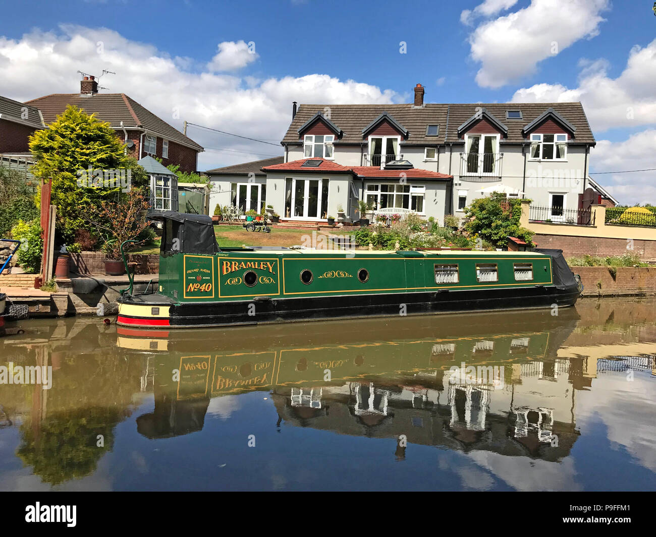 Trent and Mersey Canal, Anderton, Northwich, Cheshire Ring, North West England, UK - Narrowboat, Barge - Stock Image